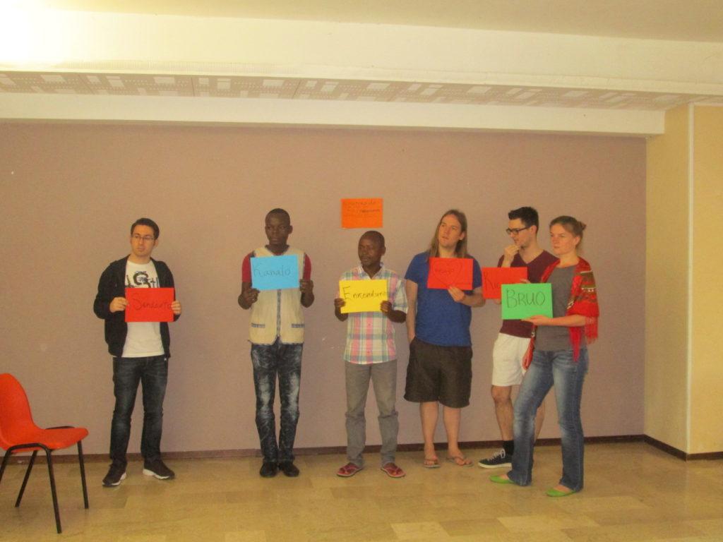 Uczestnicy szkolenia podczas jednego z zadań